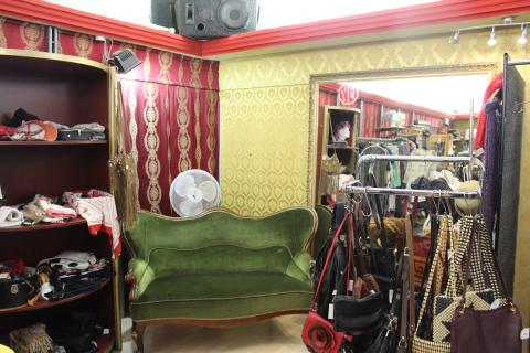 vintage laden checkpoint cinema mehringdamm 41 in berlin. Black Bedroom Furniture Sets. Home Design Ideas